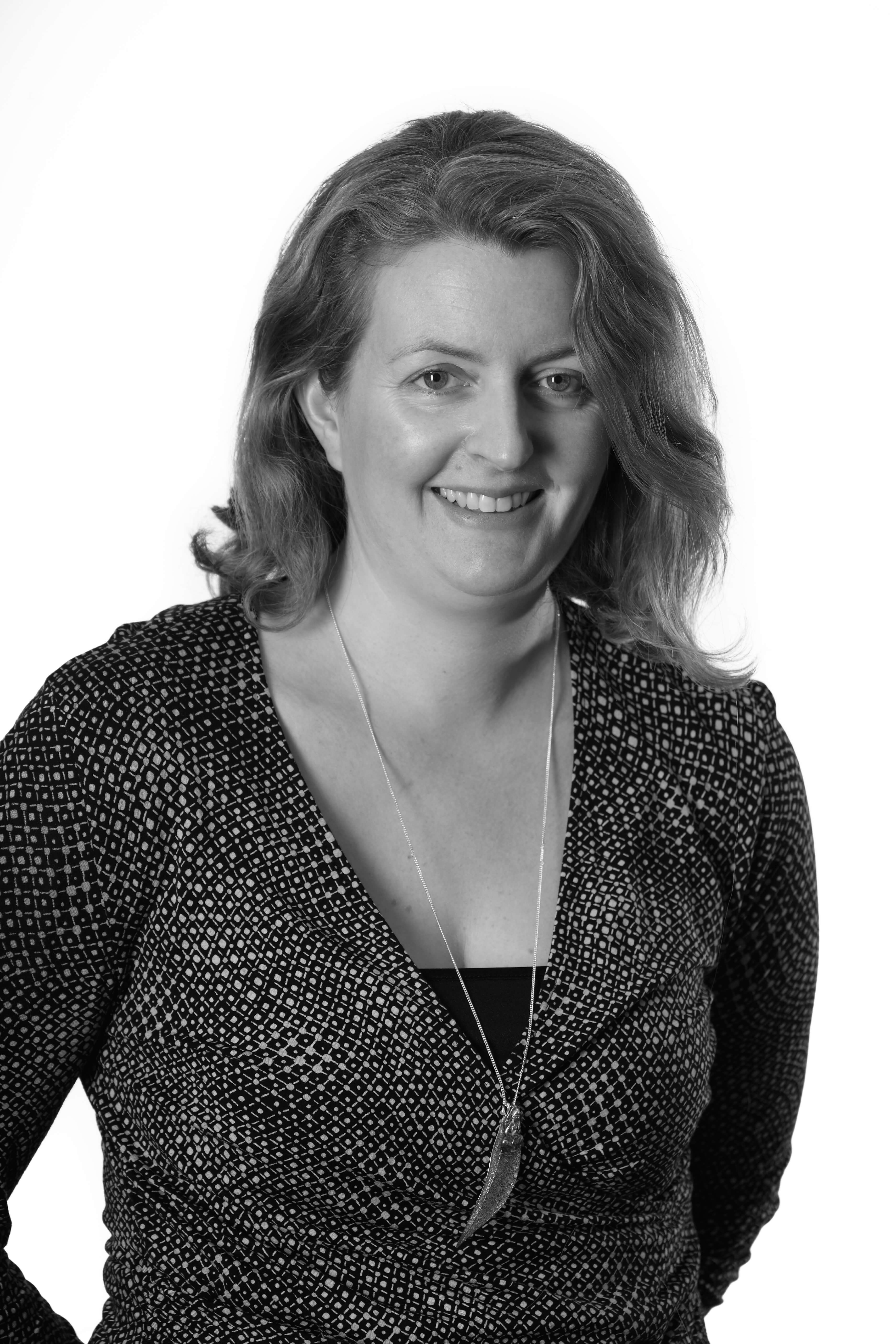 Associate Director Dr Cathryn Costello Wins Teaching Excellence Award to Enhance Course on International Human Rights and Refugee Law