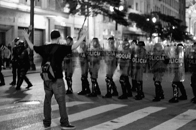 Um Manual Para Perpetuar Violações A Direitos Humanos: Violência Policial E Impunidade No Brasil