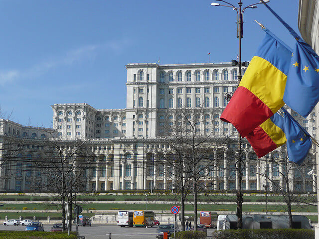Paying Lip Service to the CJEU: The Unsurprising Decision of the Constitutional Court of Romania in the Coman Case