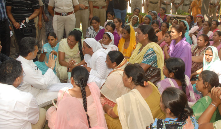 Recognising ASHA Workers in India: The Need for a Legislative Revamp